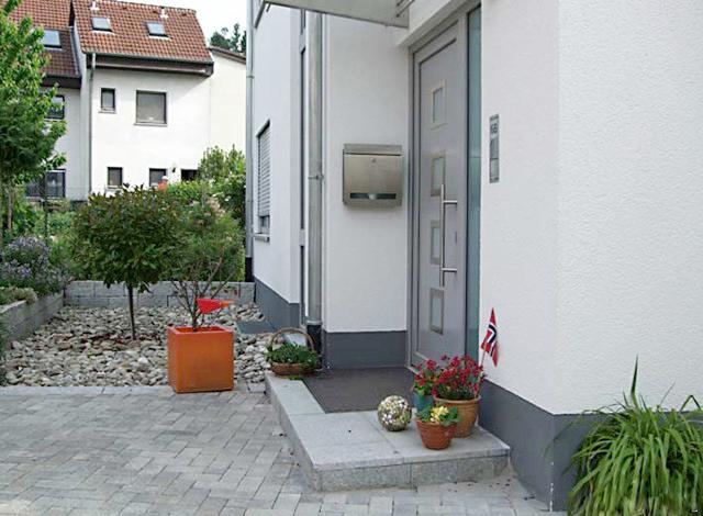 henrici garten landschaftsbau darmstadt von der baustelle zum gartentraum. Black Bedroom Furniture Sets. Home Design Ideas